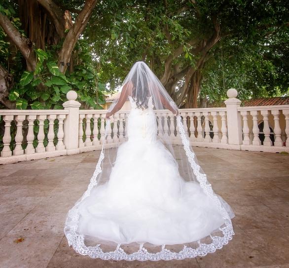 26 Dream Wedding Veils Under $100