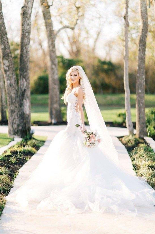 26 Inexpensive Wedding Veils Under $100..